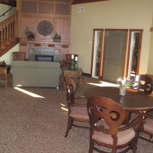 Engel Haus Senior Living Community Room and Dining Tables